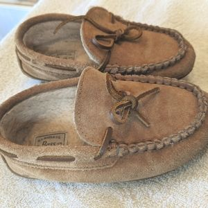 Bass suede slippers mocassin style sz 1